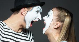 Der Clown erinnert an den Joker – bei letzterem sollten Sie aber nicht allzu...