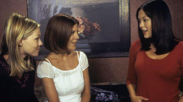 Noch ahnen Kelly (Jennie Garth, l.), Donna (Tori Spelling, M.) und Janet (Lin...
