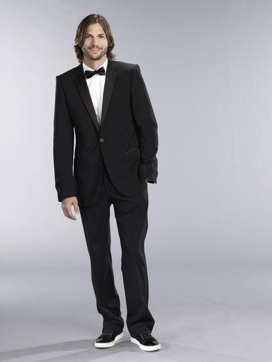 (9. Staffel) - Nach dem Tod von Charlie bringt Walden Schmidt (Ashton Kutcher) neuen Schwung ins Haus ... - Bildquelle: Warner Brothers Entertainment Inc.