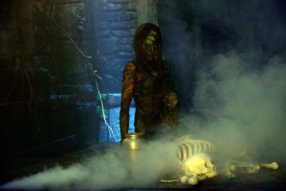 Serilda (Roxy Olin) die Hexe ist in die Gegenwart gelangt und macht nun Jagd auf die Nachfahren der Menschen, die sie damals zum Tode verurteilten ... - Bildquelle: 2013 Twentieth Century Fox Film Corporation. All rights reserved.