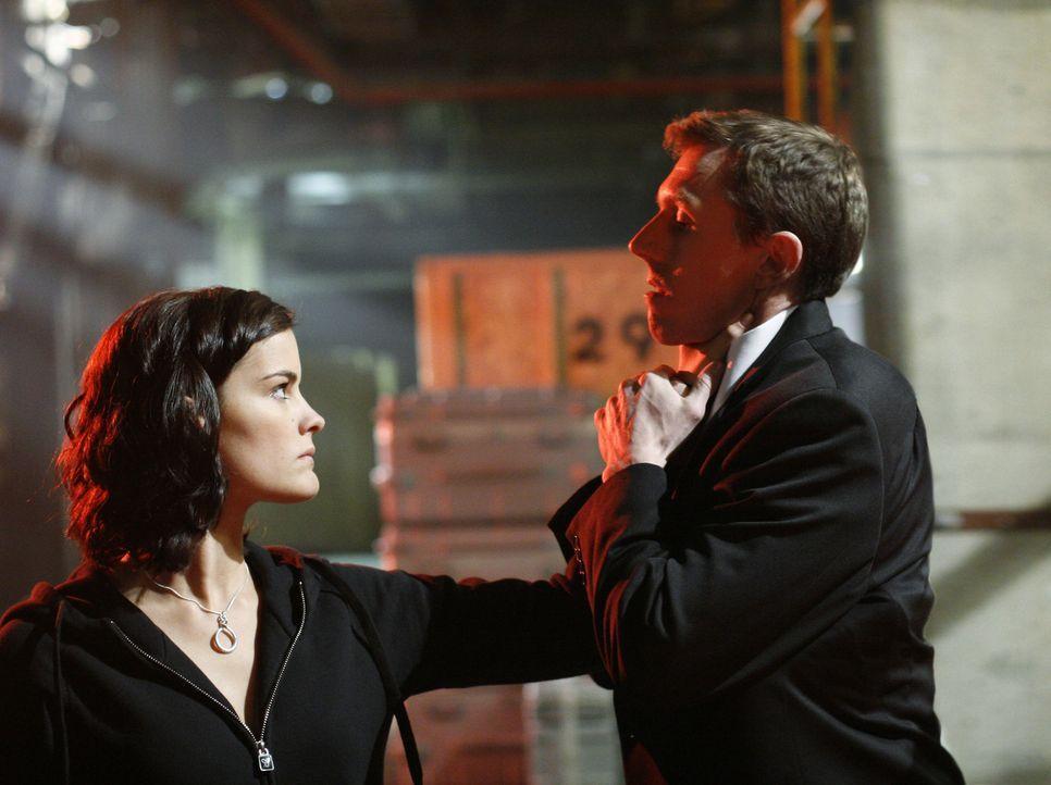 Um Amanda zu retten, schreckt Jesse (Jaimie Alexander, l.) vor Nichts zurück ... - Bildquelle: TOUCHSTONE TELEVISION