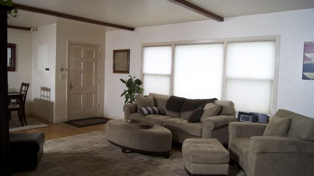Ein besorgniserregendes Wohnzimmer soll eine, schon längst notwendige, Versch...