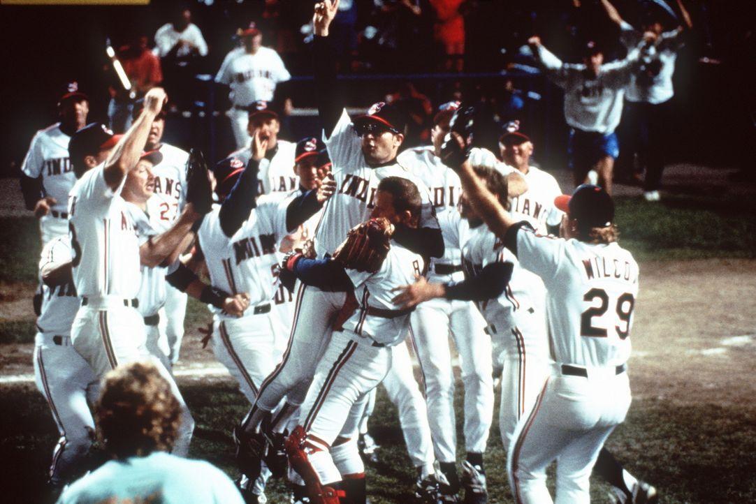 Endlich starten die ''Indians'' durch und wirbeln die Tabelle der Baseballoberliga noch gewaltig durcheinander ... - Bildquelle: Warner Bros.