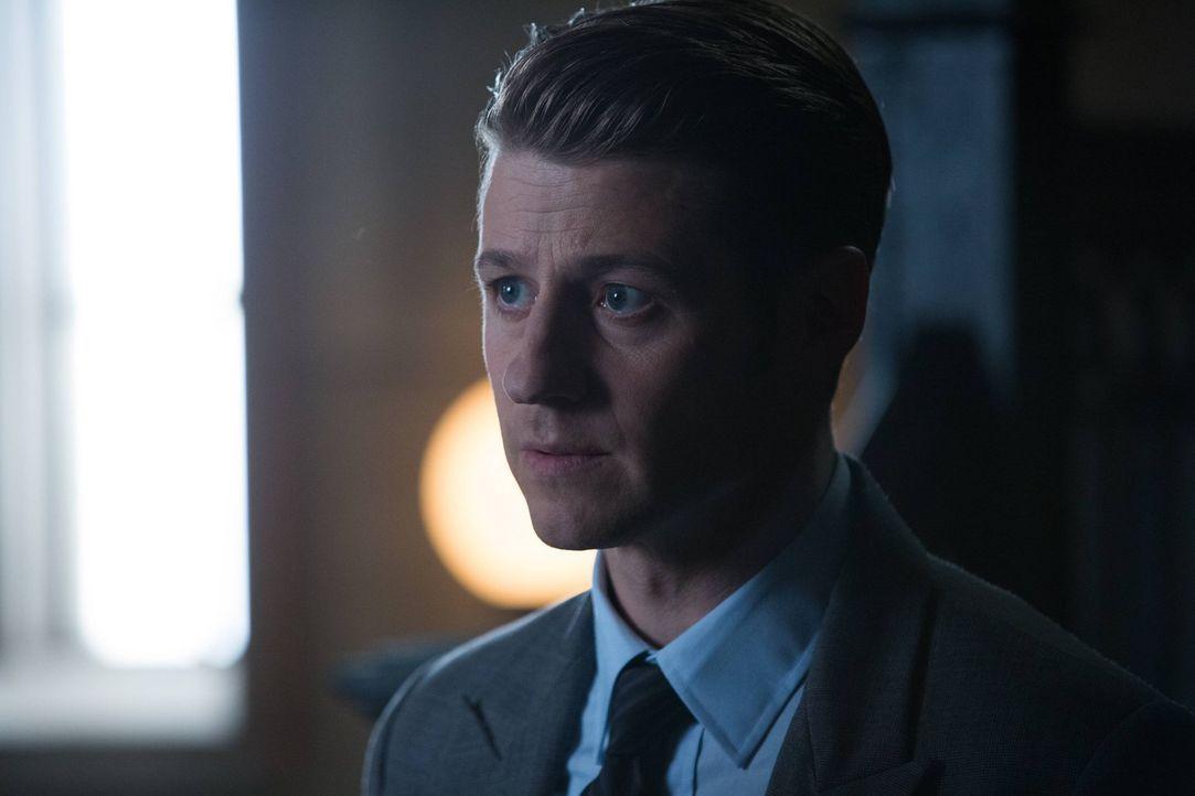 Muss sich für die Vorfälle rund um Theo Galavans Tod vor einem Untersuchungsausschuss verantworten: Gordon (Ben McKenzie) ... - Bildquelle: Warner Brothers
