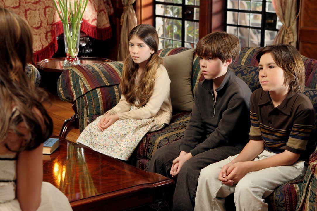 Melinda (Jennifer Love Hewitt, l.) glaubt, dass die Kinder Elana (Alisa Gerstein, 2.v.l.), Stefano (Davide Schiavone, r.) und Liam (Jeremy Shada, 2.... - Bildquelle: ABC Studios