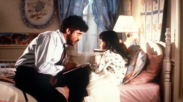 Moody (Alfred Molina, l.) ist nach Amerika gereist, um seiner Frau die gemein...