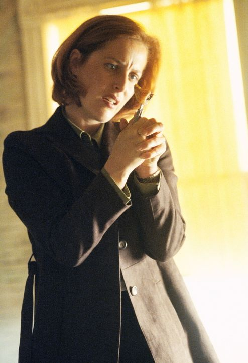 Scully (Gillian Anderson) soll in Utah einem Gerichtsmediziner bei der Obduktion eines Mordopfers helfen. - Bildquelle: TM +   2000 Twentieth Century Fox Film Corporation. All Rights Reserved.