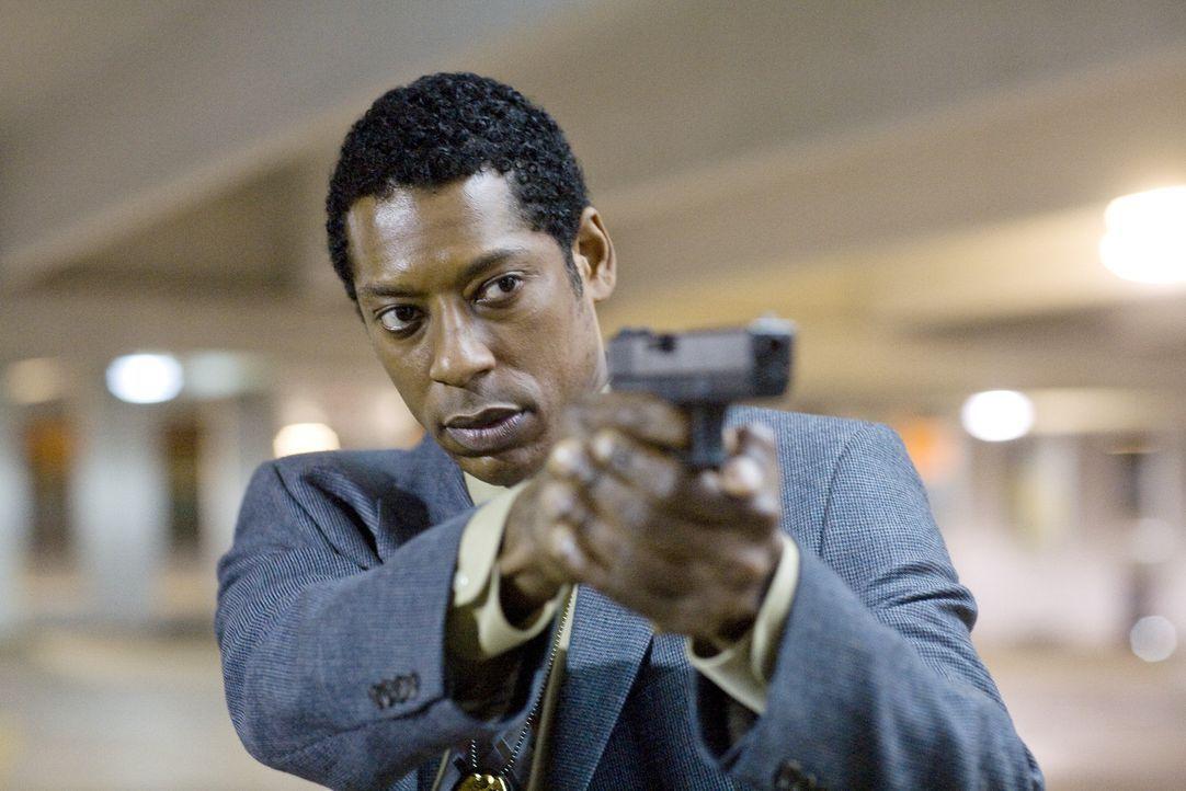 Detective Ben Nickerson (Orlando Jones) könnte den naiven TV-Reporter vor der Todesstrafe beschützen, doch selbst er hat seine Zweifel an der Unschu... - Bildquelle: Rico Torres Signature Pictures / Foresight-Unlimited BARD 2008. All rights reserved.