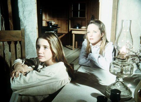 Unsere kleine Farm - Laura (Melissa Gilbert, l.) und ihre Schwester Mary (Mel...