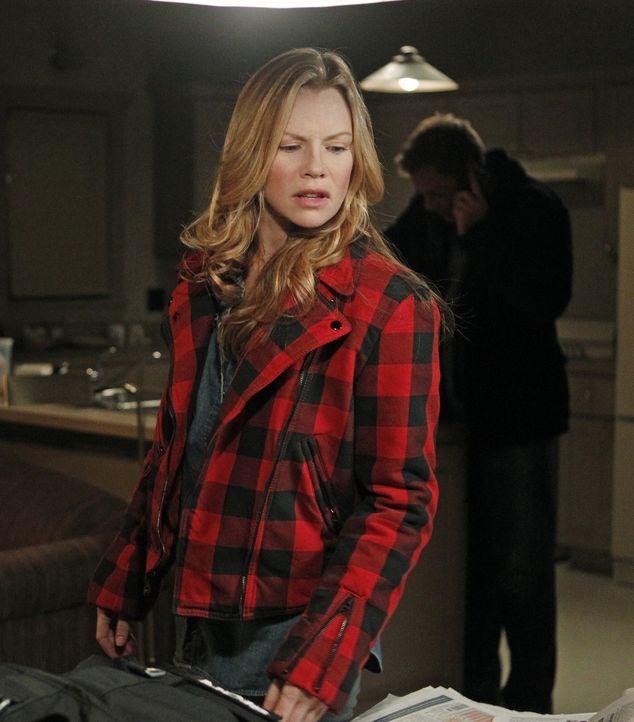 Bei den Ermittlungen in einem neuen Fall stoßen Tony (Michael Weatherly, r.) und seine Kollegen auf den Aufenthaltsort von E.J. Barrett (Sarah Jane... - Bildquelle: CBS Television