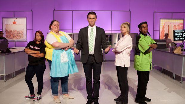 Moderator Jonathan Bennett (M.) ist gespannt, wie sich die Bäcker und Bäckeri...