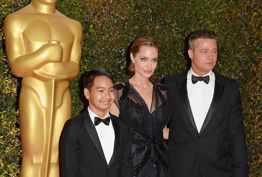 Angelina-Jolie-Maddox-Jolie-Pitt-Brad-Pitt-13-11-16-AFP - Bildquelle: AFP ImageForum