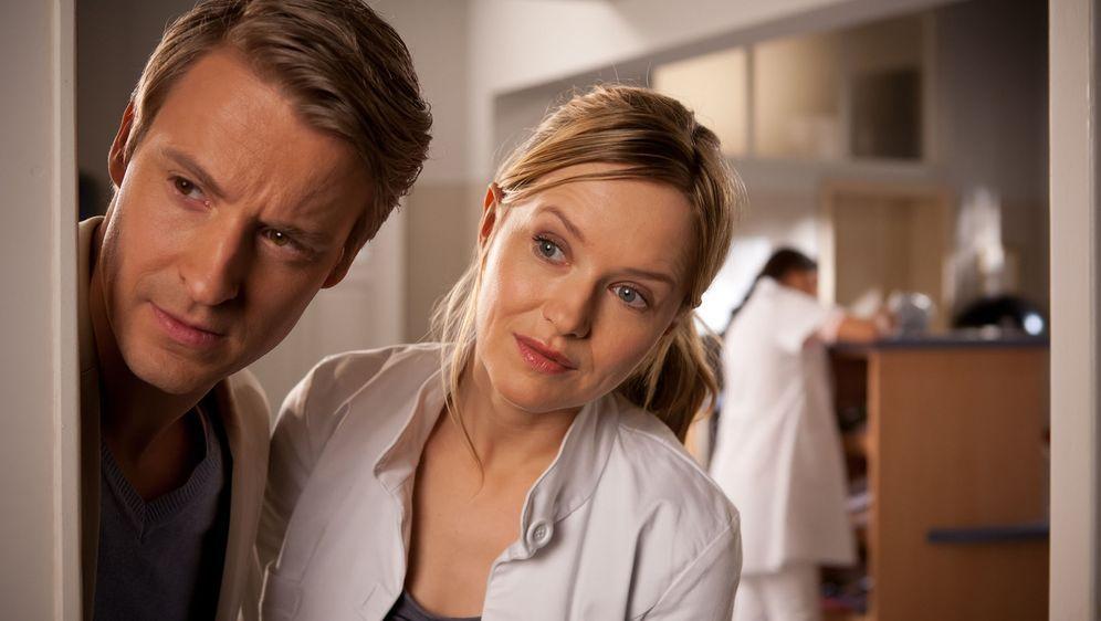 (1. Staffel) - Seit ihrer Rückkehr aus Afrika arbeitet die junge Ärztin Dr. ... - Bildquelle: Conny Klein SAT.1