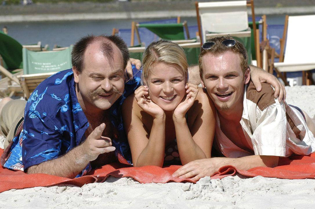 """""""DIE DREISTEN DREI"""" - das sind die Bewohner von Deutschlands berühmtester Comedy-WG: (v.l.n.r.) Markus Majowski, Mirja Boes, Ralf Schmitz ... - Bildquelle: S. Oliver Sat.1"""