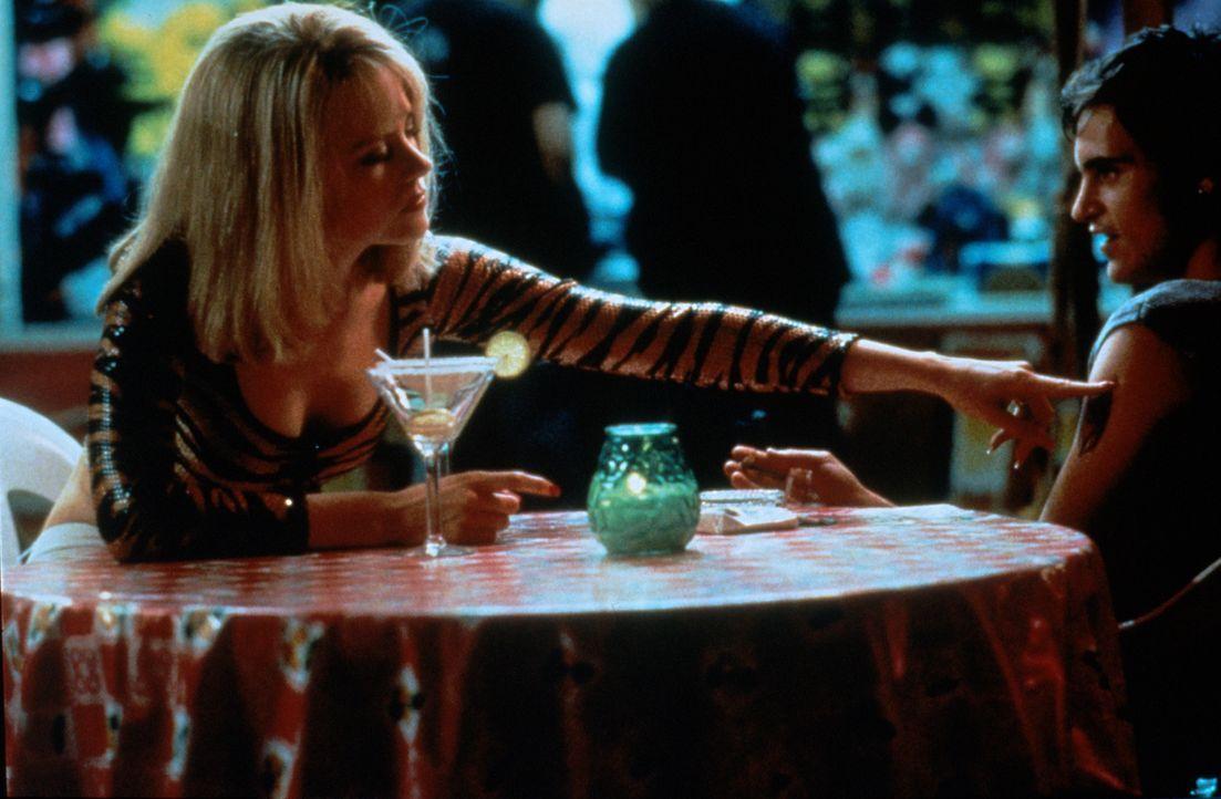 Dass seine Geliebte Suzanne (Nicole Kidman, l.) alles andere als unschuldig und hilfsbedürftig ist, bemerkt Larry (Matt Dillon, r.) leider zu spät .... - Bildquelle: Columbia Pictures