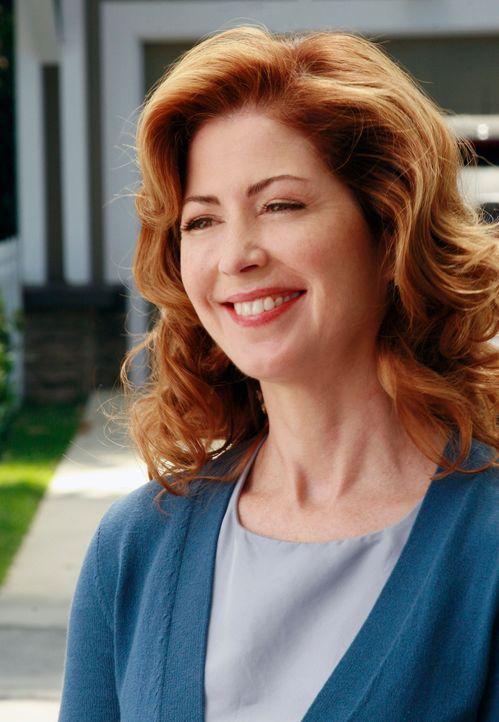Um den Springbrunnen entfernen zu lassen, gründet Katherine (Dana Delany) einen Nachbarschaftsverein ... - Bildquelle: ABC Studios