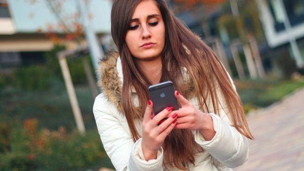Bei Android-Smartphones gibt es drei Möglichkeiten, wie Sie Ihre Rufnummer un...