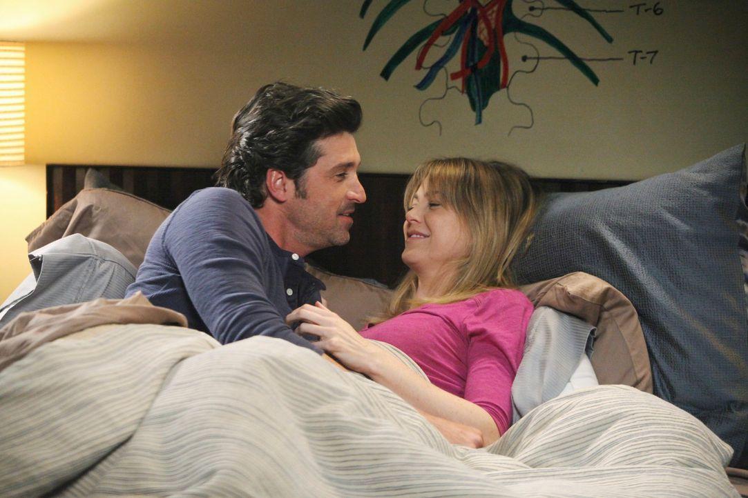 Während sich Derek (Patrick Dempsey, l.) und Meredith (Ellen Pompeo, r.) unbedingt ein Baby wünschen, muss Teddy für Henry eine wichtige Entscheidun... - Bildquelle: ABC Studios