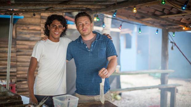 Jamie Oliver (r.) weiß, dass die richtige Ernährung das Leben verändern und v...