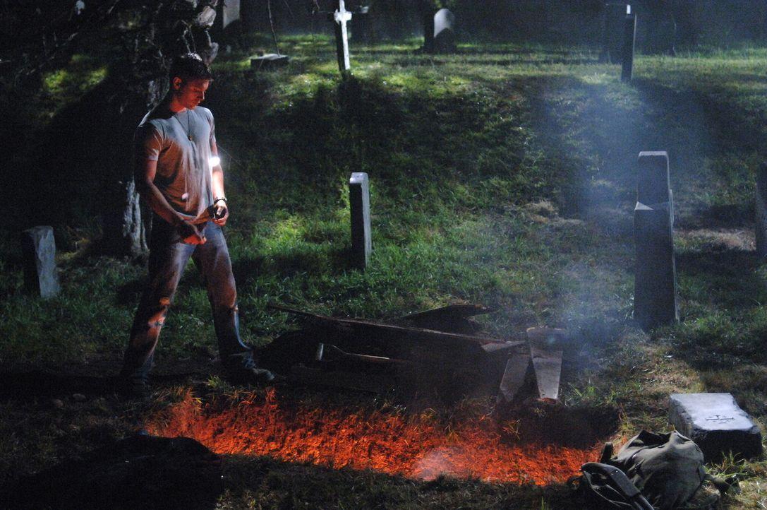Haben Dean (Jensen Ackles) und Sam es geschafft, die Knochen rechtzeitig zu zerstören? - Bildquelle: Warner Bros. Television