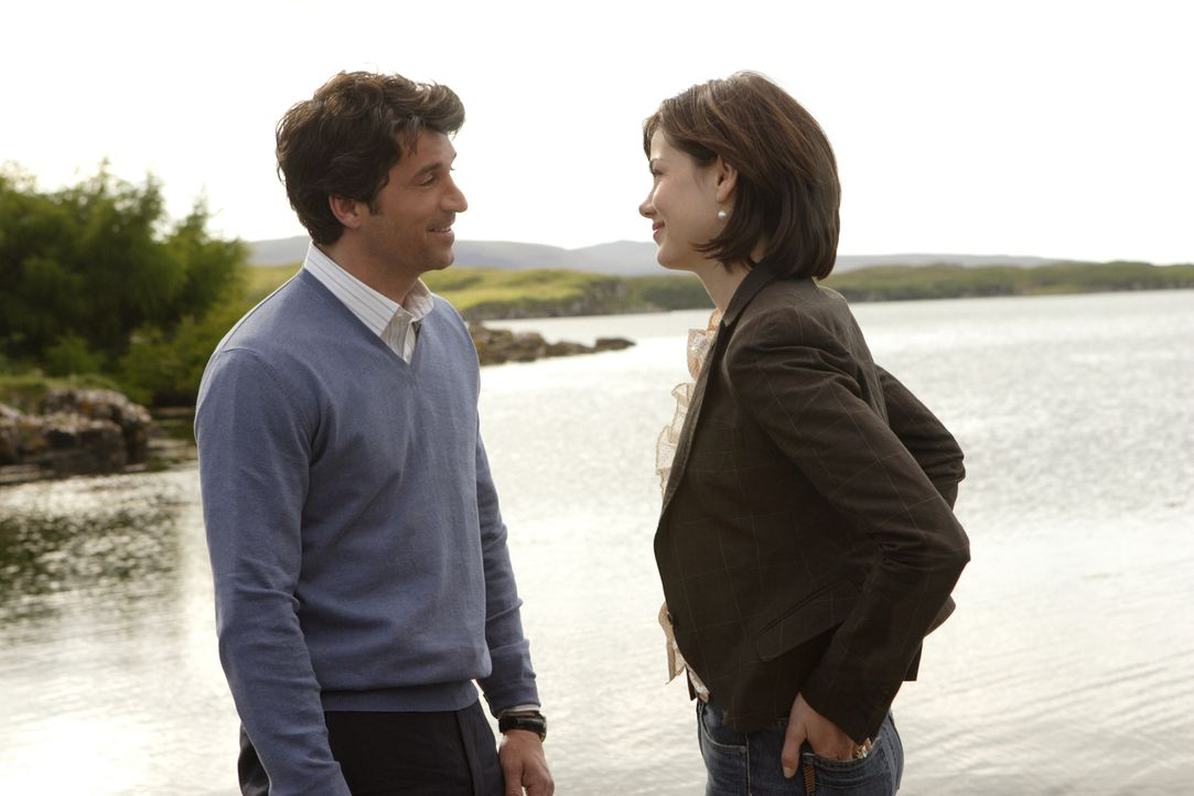 "Als ""Brautjunger"" kümmert sich Tom (Patrick Dempsey, r.) ganz besonders aufmerksam um Hannah (Michelle Monaghan, l.). Allerdings mit dem Hintergedan... - Bildquelle: 2008 Columbia Pictures Industries, Inc. and Beverly Blvd LLC. All Rights Reserved."