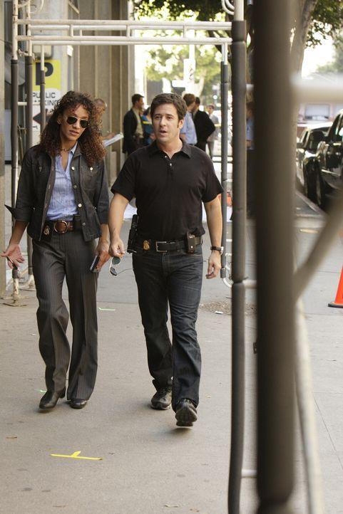 Don (Rob Morrow, r.) und Nikki Betancourt (Sophina Brown, l.) recherchieren in ihrem neuen Fall .... - Bildquelle: Paramount Network Television