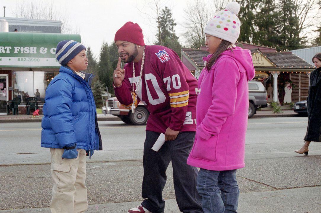 Nick (Ice Cube, M.) versucht alles, um das Herz der attraktiven Suzanne zu gewinnen. Als diese an Neujahr geschäftlich bedingt weit entfernt festsi... - Bildquelle: Sony 2007 CPT Holdings, Inc.  All Rights Reserved.