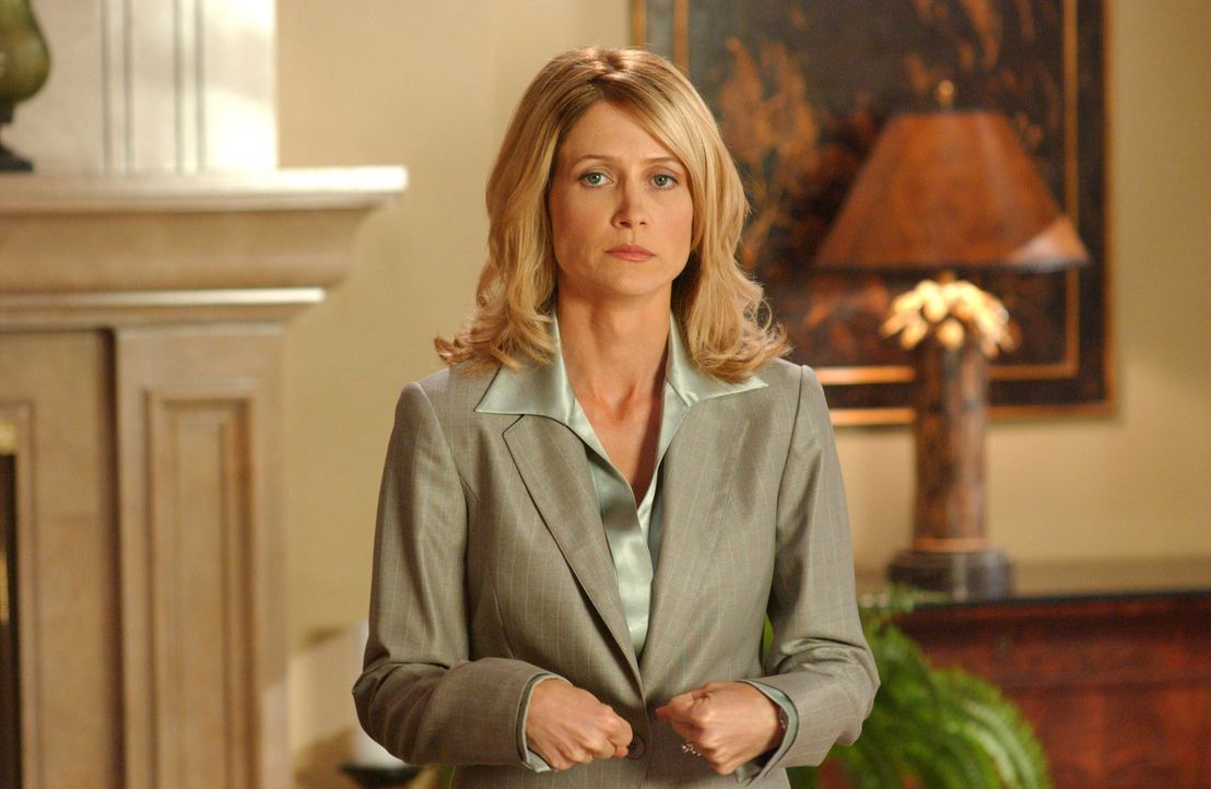 Kirsten (Kelly Rowan) ist am Boden zerstört, weil Julie ihr Boss werden soll. Sie kann nicht ohne Arbeit leben, will aber auch nicht mit Julie zusa... - Bildquelle: Warner Bros. Television