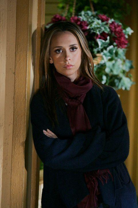 Kann Melinda (Jennifer Love Hewitt) zu Jims Geist noch einmal Kontakt aufnehmen bevor er ins Licht geht? - Bildquelle: ABC Studios