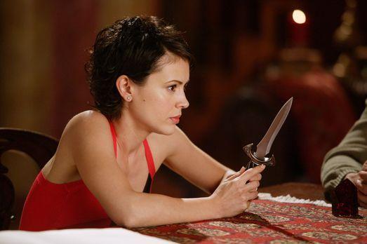 Charmed - Zauberhafte Hexen - Phoebe (Alyssa Milano) lässt sich nicht von ihr...