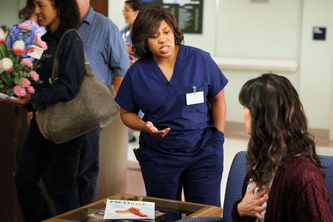 Miranda Bailey (Chandra Wilson) aus dem Seattle Grace kommt nach Los Angeles, um die Operation an ihrer Patientin Sarah durchzuführen ... - Bildquelle: ABC Studios