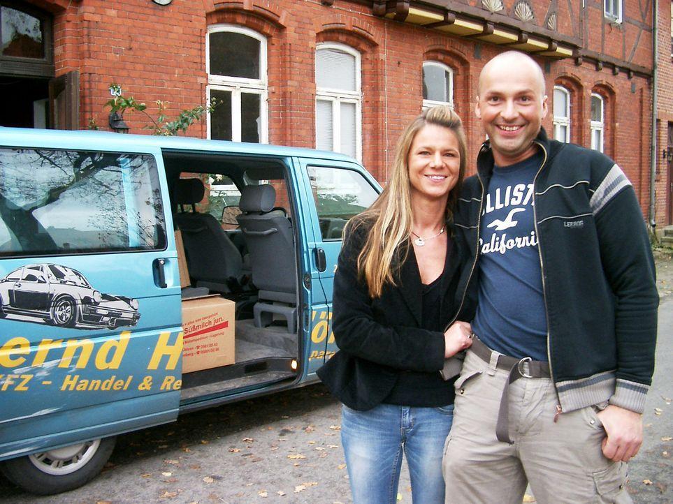 Es ist ein lang gehegter Traum, den sich Andrea (36) und Dieter (34) Szurowski mit ihrer Auswanderung erfüllen. Seit sie vor Jahren das erste Mal d... - Bildquelle: kabel eins