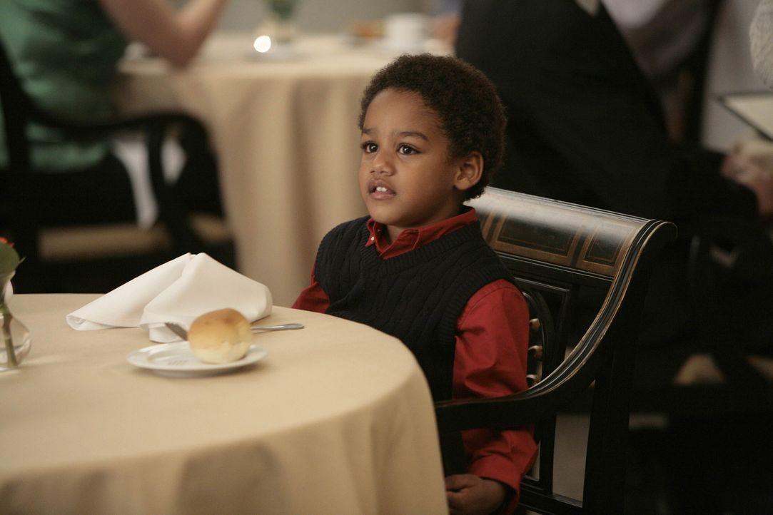 Christian will Wilbur (Joshua Henry) adoptieren und fragt Michelle, ob sie den Kleinen nicht auch adoptieren will. Michelle erbittet sich jedoch noc... - Bildquelle: TM and   2004 Warner Bros. Entertainment Inc. All Rights Reserved.