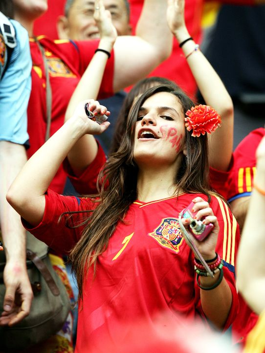 full_euro_fans_10_wenn3938893 - Bildquelle: Newspix.pl /WENN.com