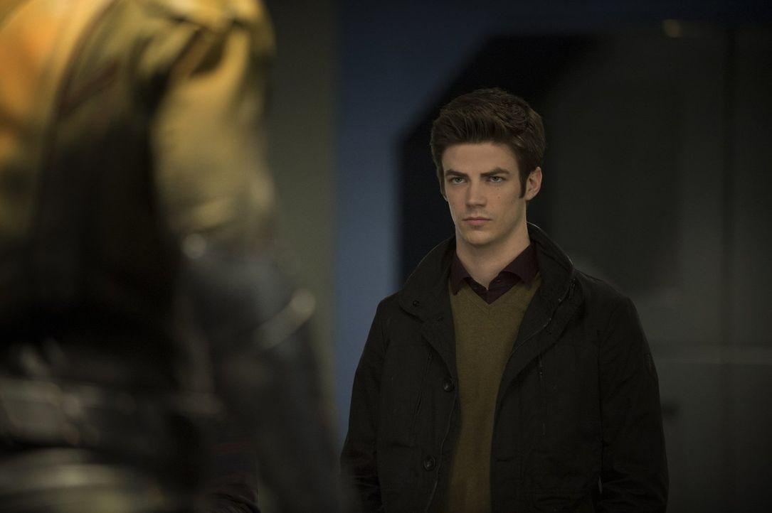 Schlagartig wird Barry (Grant Gustin) bewusst, dass nichts von dem, was er oder seine Freunde tun und getan haben, vor Dr. Wells Augen verborgen geb... - Bildquelle: Warner Brothers.