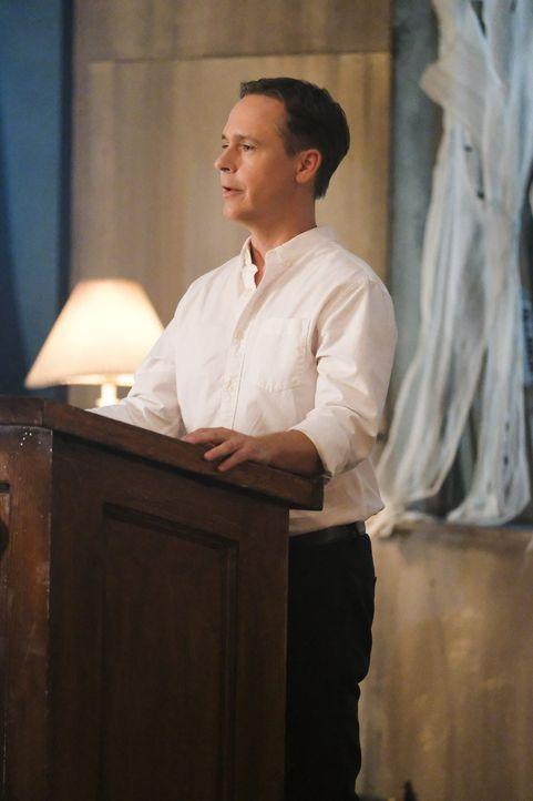 Steht Thomas Coville (Chad Lowe), der Anführer einer geheimnisvollen Gruppierung, in einer unerwarteten Verbindung zu Supergirl? - Bildquelle: 2017 Warner Bros.
