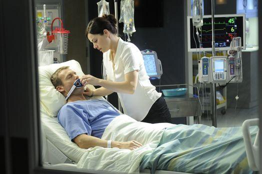 Saving Hope - Charlies (Michael Shanks, l.) Ex-Frau, die Entscheidungsbefugte...