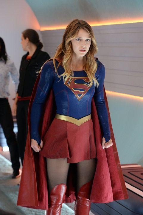 Kara (Melissa Benoist) wird nicht nur in ihrer Rolle als Supergirl gebraucht, auch als Assistentin von Cat muss sie sich einer neuen Aufgabe widmen.... - Bildquelle: 2015 Warner Bros. Entertainment, Inc.