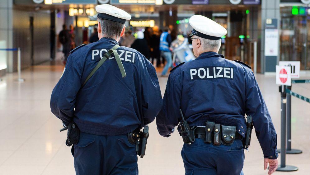 Die Bundespolizei  - Bildquelle: dpa