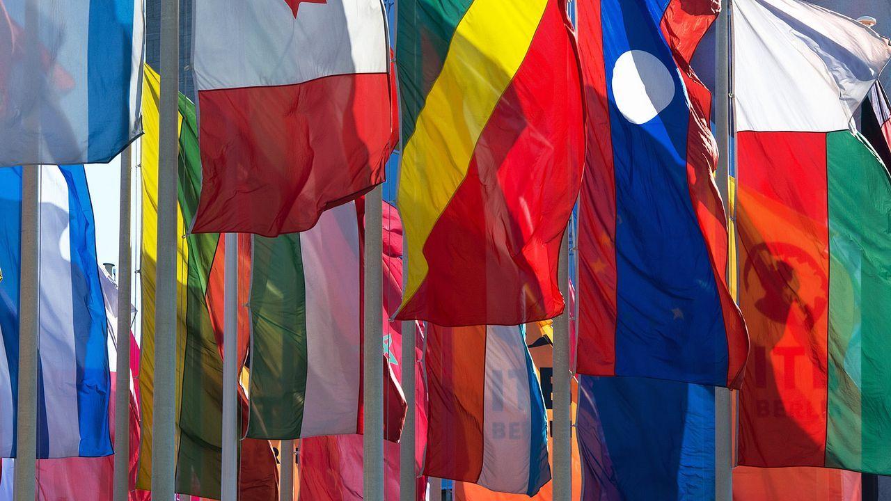 laenderflaggen-13-03-04-dpa