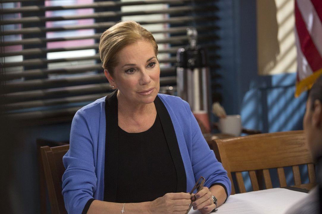 Kann Dr. Elizabeth Carlins (Kathie Lee Gifford) bei den Ermittlungen in einem neuen Mordfall weiterhelfen? - Bildquelle: Warner Bros. Entertainment, Inc.