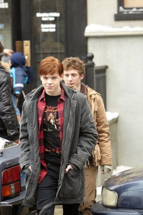 Monica soll nicht noch mehr Macht bekommen, daher lassen sich Ian (Cameron Monaghan, l.) und Lip (Jeremy Allen White, r.) ebenfalls testen ... - Bildquelle: 2010 Warner Brothers