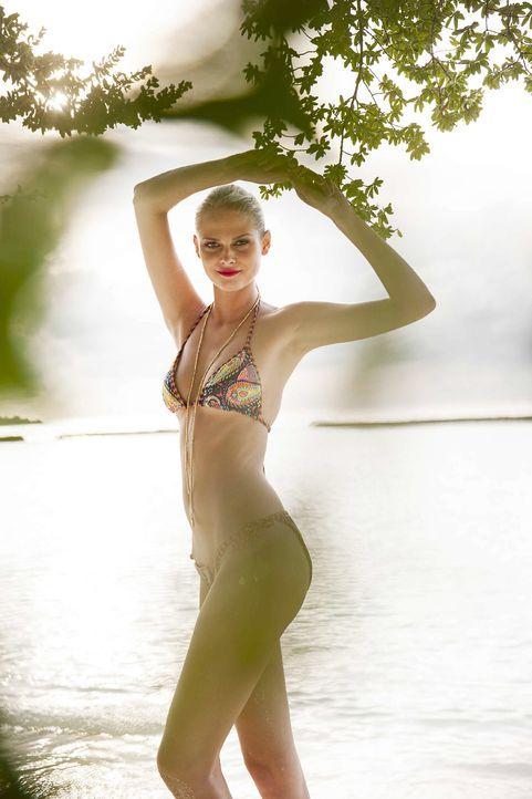 GNTM-Stf10-Epi13-Bikini-Shooting-Malediven-128-Darya-ProSieben-Boris-Breuer - Bildquelle: ProSieben/Boris Breuer