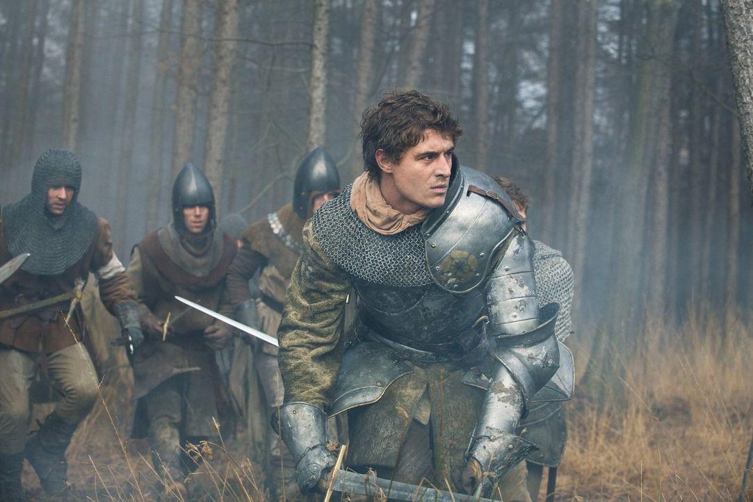 So leicht lässt sich Edward (Max Irons) nicht vom Thron stoßen ... - Bildquelle: 2013 Starz Entertainment LLC, All rights reserved