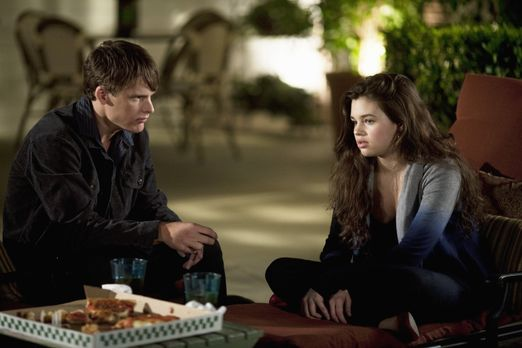 The Secret Life Of The American Teenager - Ashley (India Eisley, r.) verbring...
