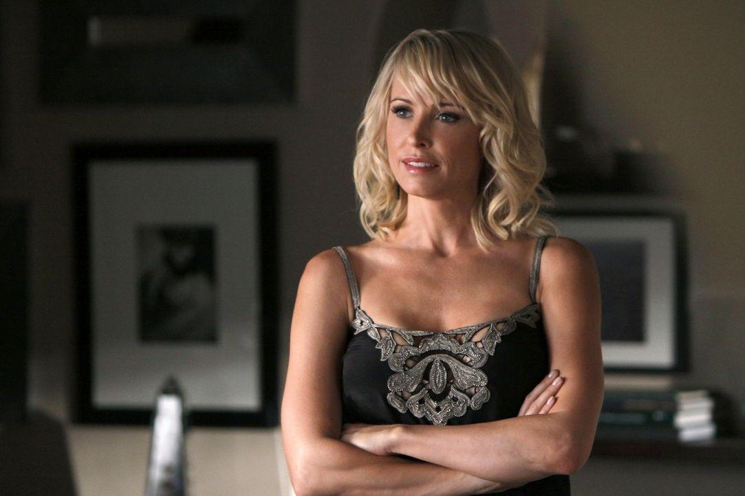 Jane (Josie Bissett) ist nicht so nett und harmlos, wie sie tut... - Bildquelle: 2009 The CW Network, LLC. All rights reserved.