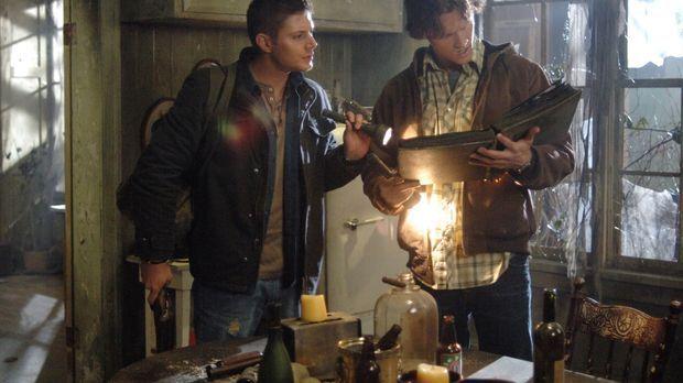 Ein neuer mysteriöser Fall beschäftige die Brüder Sam (Jared Padalecki, r.) u...