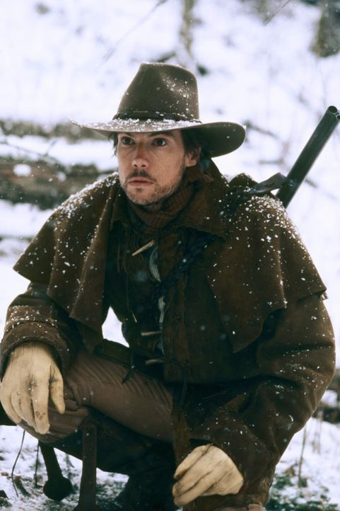 Während Charles Ingalls (Cameron Bancroft) auf der Jagd ist, ist seine Familie in Gefahr, doch davon ahnt der Zimmermann nichts ... - Bildquelle: ABC, Inc.