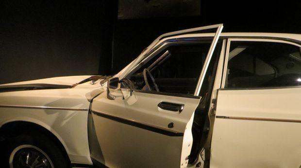 Don Wildman rekonstruiert mit einem zerstörten Auto die Geschichte eines uner...