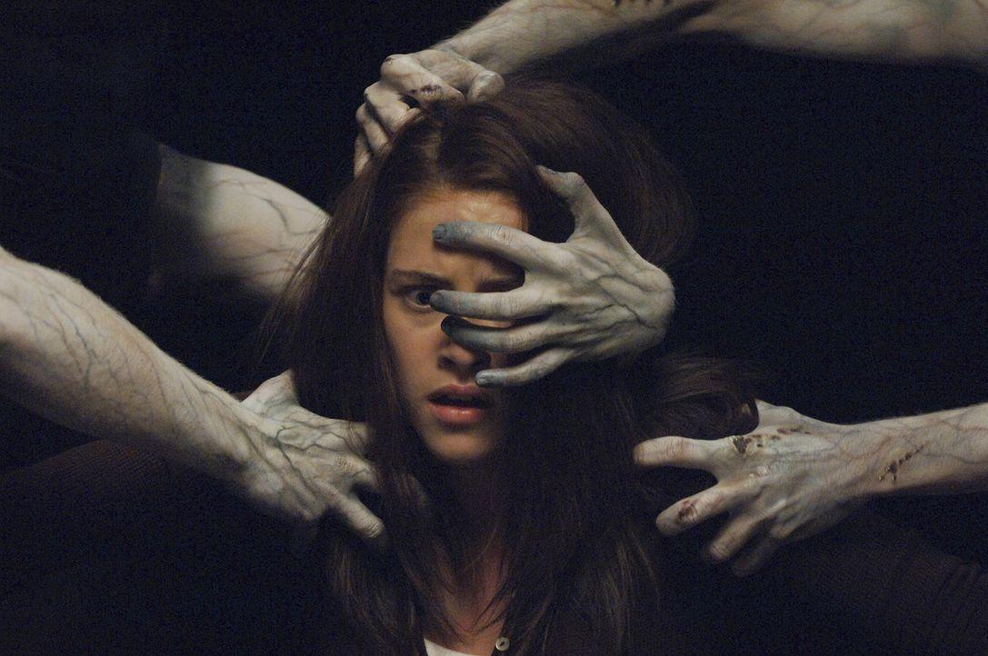 Nur ihr kleiner Bruder sieht die Geister, die ihr zusetzen. Ihre Eltern tun Jess' (Kristen Stewart) Erzählungen als Hirngespinste ab, weil sie glau... - Bildquelle: 2005 GHP-3 SCARECROW, LLC.